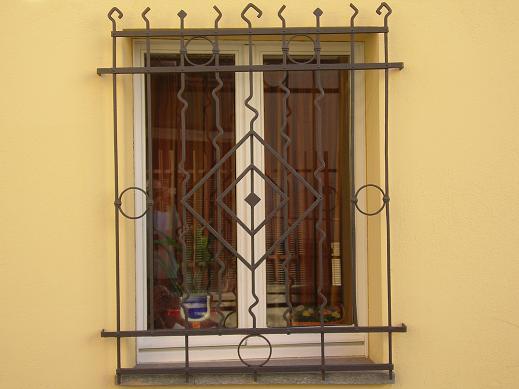Inferriate metalliche - Inferriate finestre ...