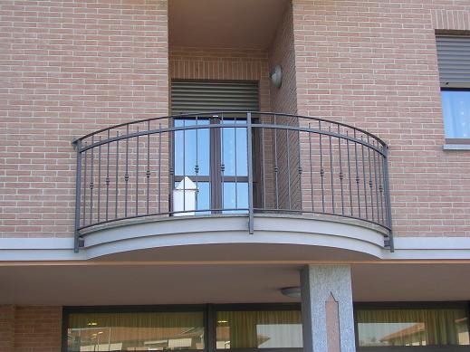 Ringhiere e balconi - Ringhiere in ferro battuto per balconi esterni ...